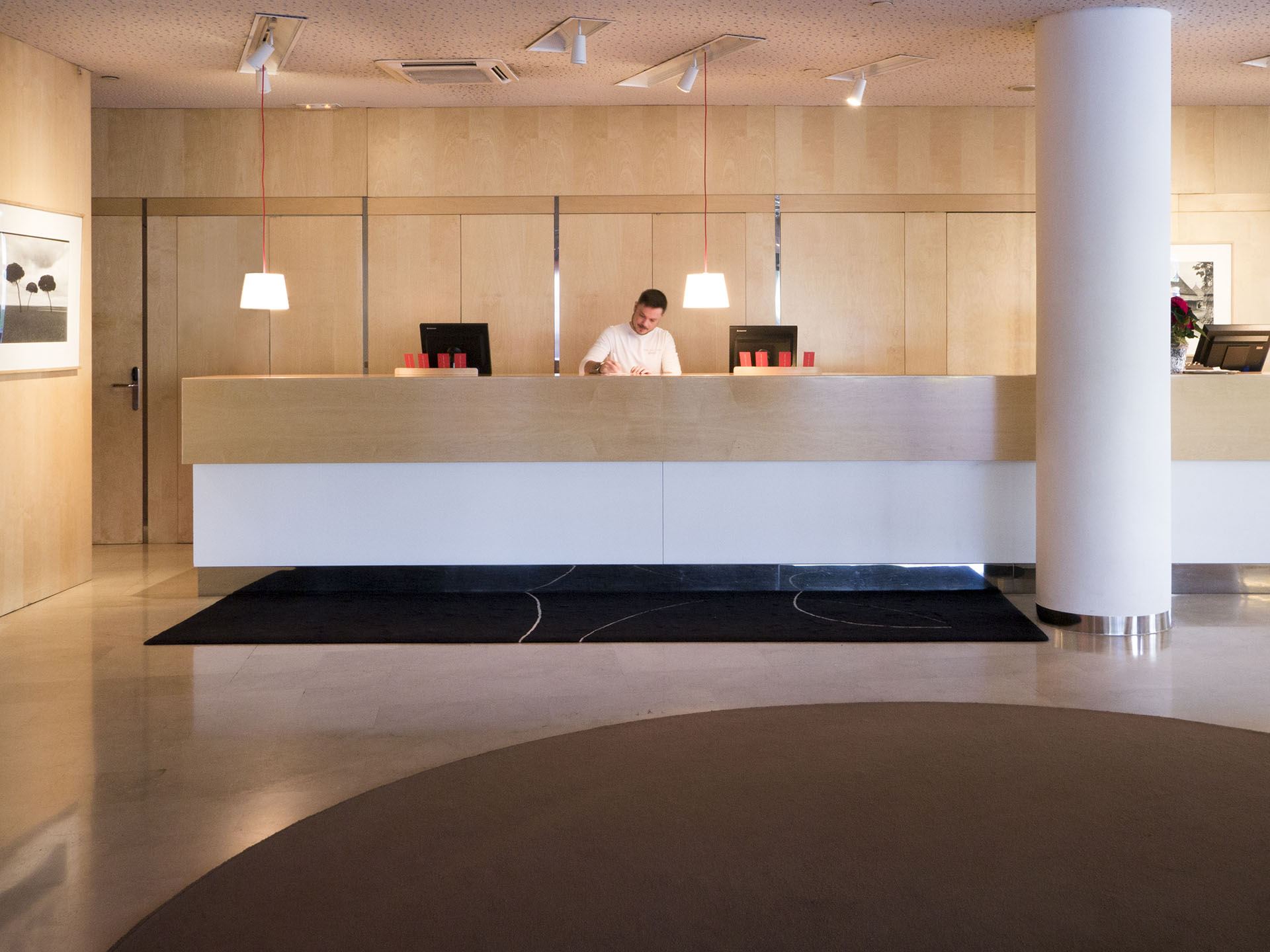 3.hotelsantcugat-reception
